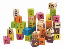 Barevné kostky s písmeny a číslykatalog
